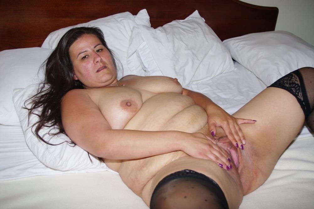 BBW mature gets naked - 15 Pics