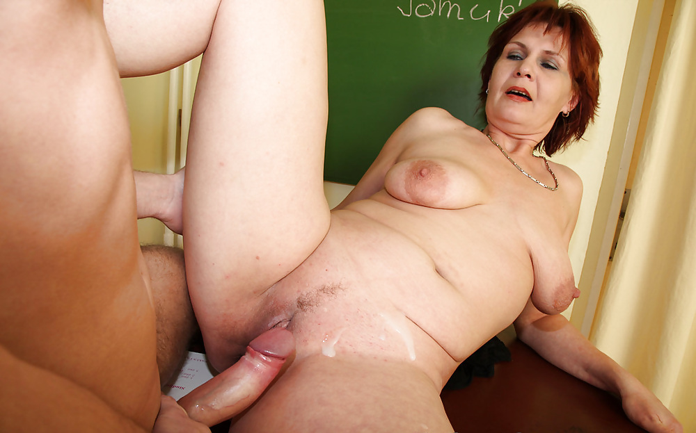 Mature mom creampie with captions