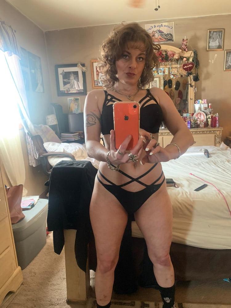 My Milf Slut Roxanne - 11 Pics