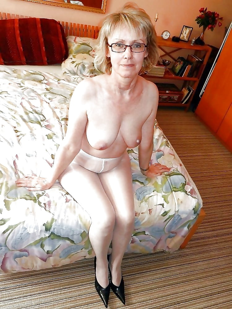 Attractive Naked Old Women Tgp Png