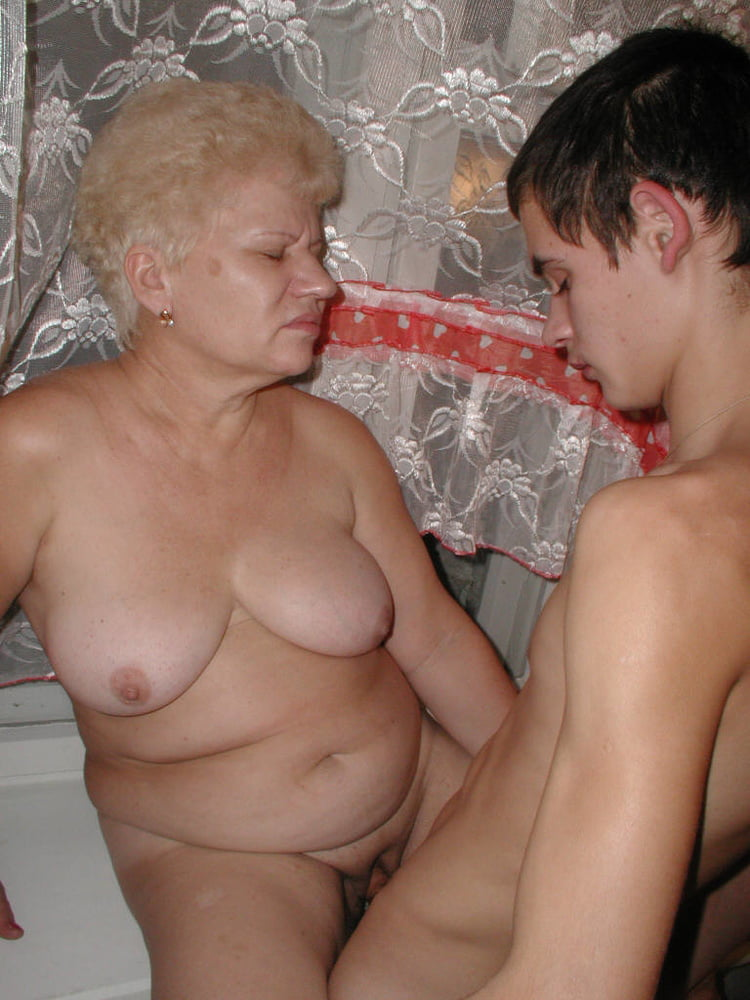 Hot granny fuck kitchen compil free xxx galeries