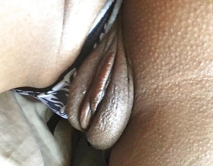 amatuer-black-pussy-lips