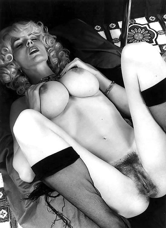 seks-devushki-retro-foto