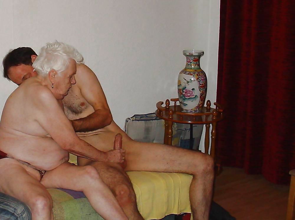 Naked grandma in tub