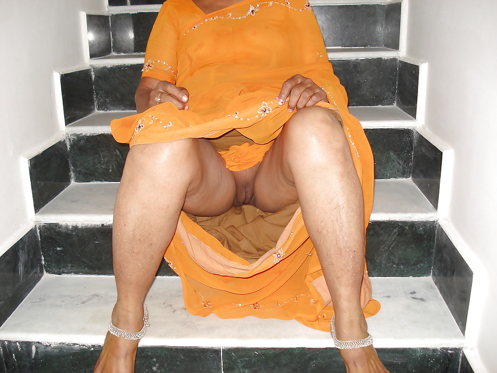 Free tamil aunty peeing nude hidden camera sex images