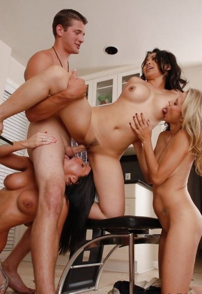 Milfs in orgies