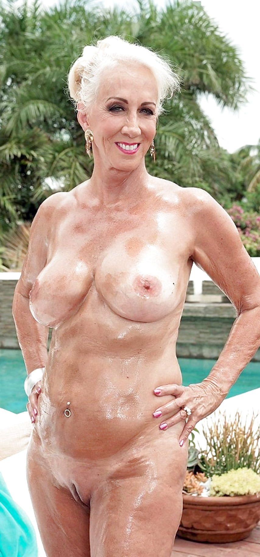 Topless Old Senior Naked Lady Pictures Pic