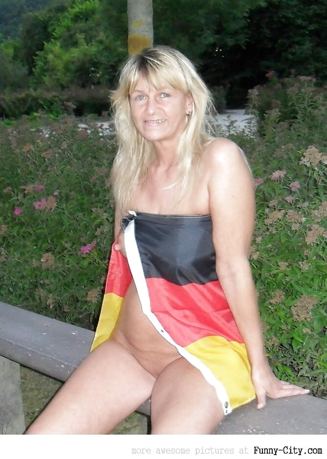 German schlampe aus paderborn hart gebumst - 2 2