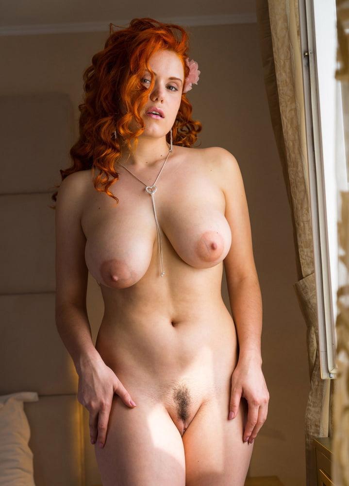 Busty Chubby Curvy Redhead