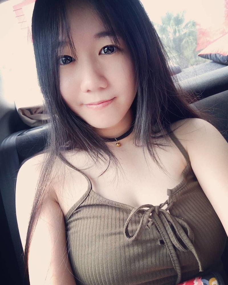 Vivian, 24