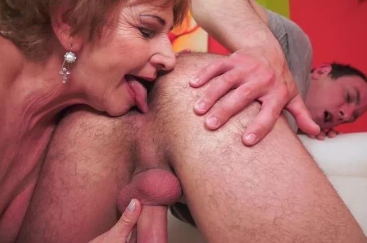 Mature ass licking xxx and mom porn pics