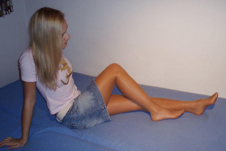 Legs apart nn, bollywood condim nude