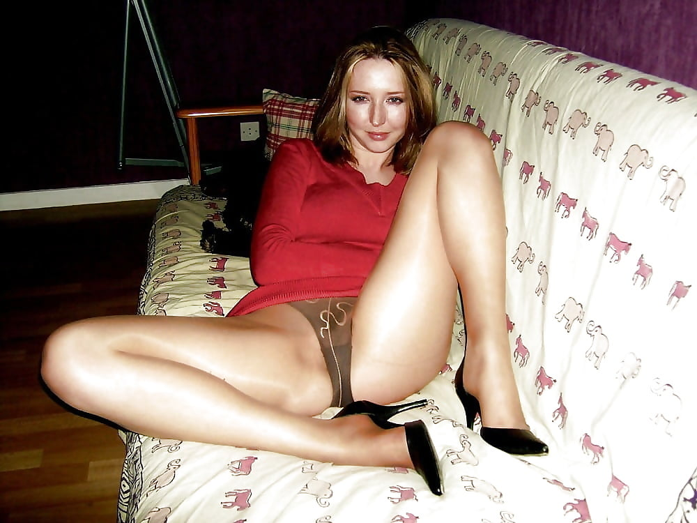 Sexy milf high heels-8872
