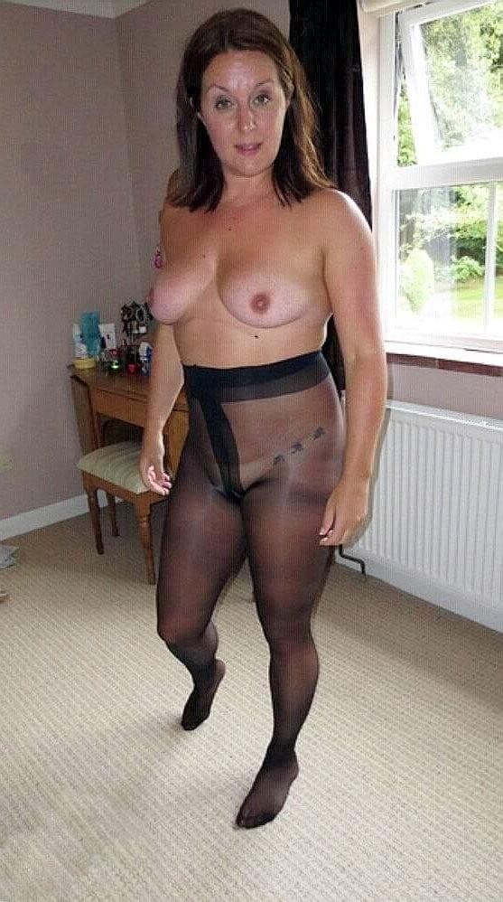 lily-mature-pantyhose-nude-pics-latina