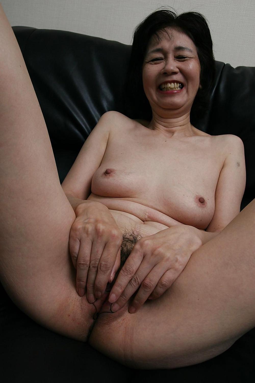 vagina-asian-grannies-cumshot-on-sleeping-girl-ass