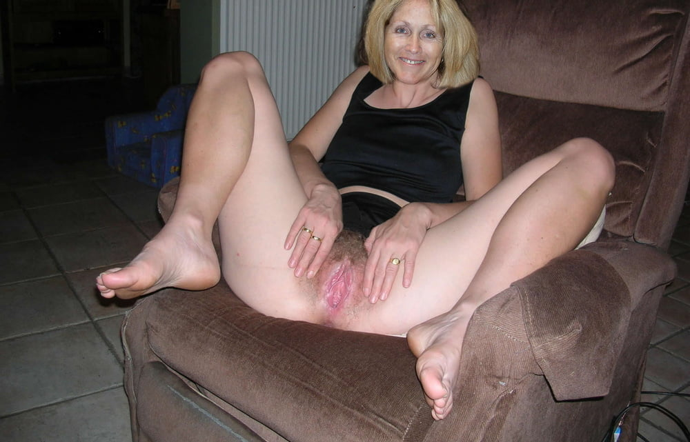 Mature spread wife — 8
