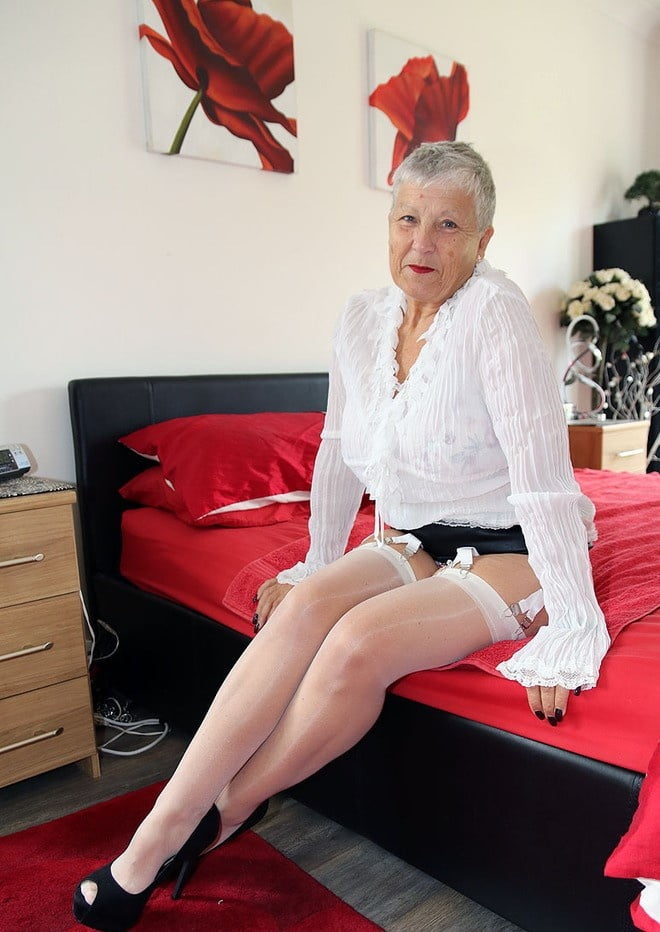 Oldies but goldies, sexy Grannies and Milfs 14 - 43 Pics