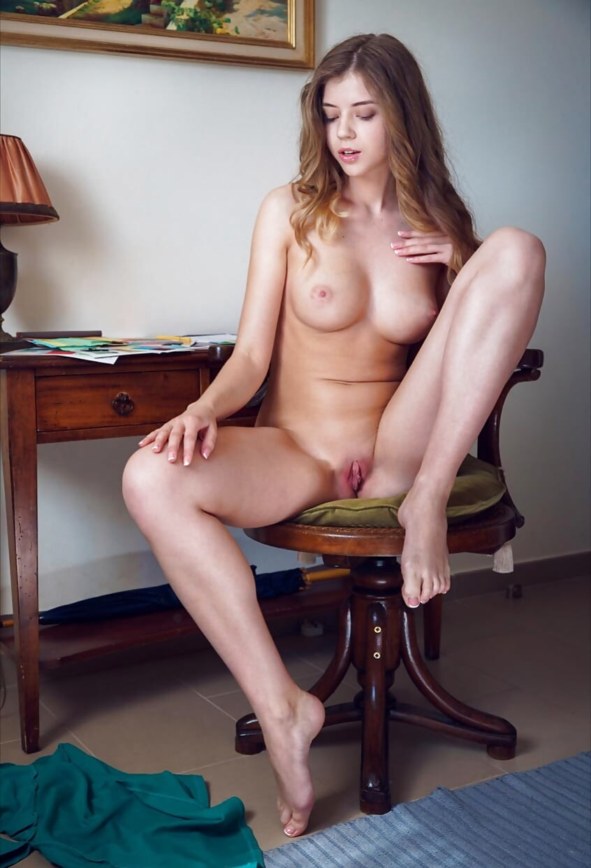 cutie-sitting-naked