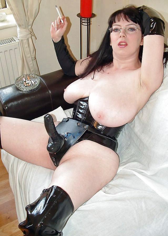 порно фото зрелые полные страпон сюжет