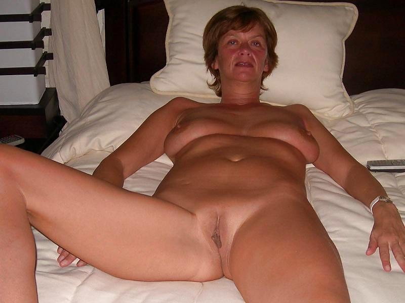 Swinging mature biwomen