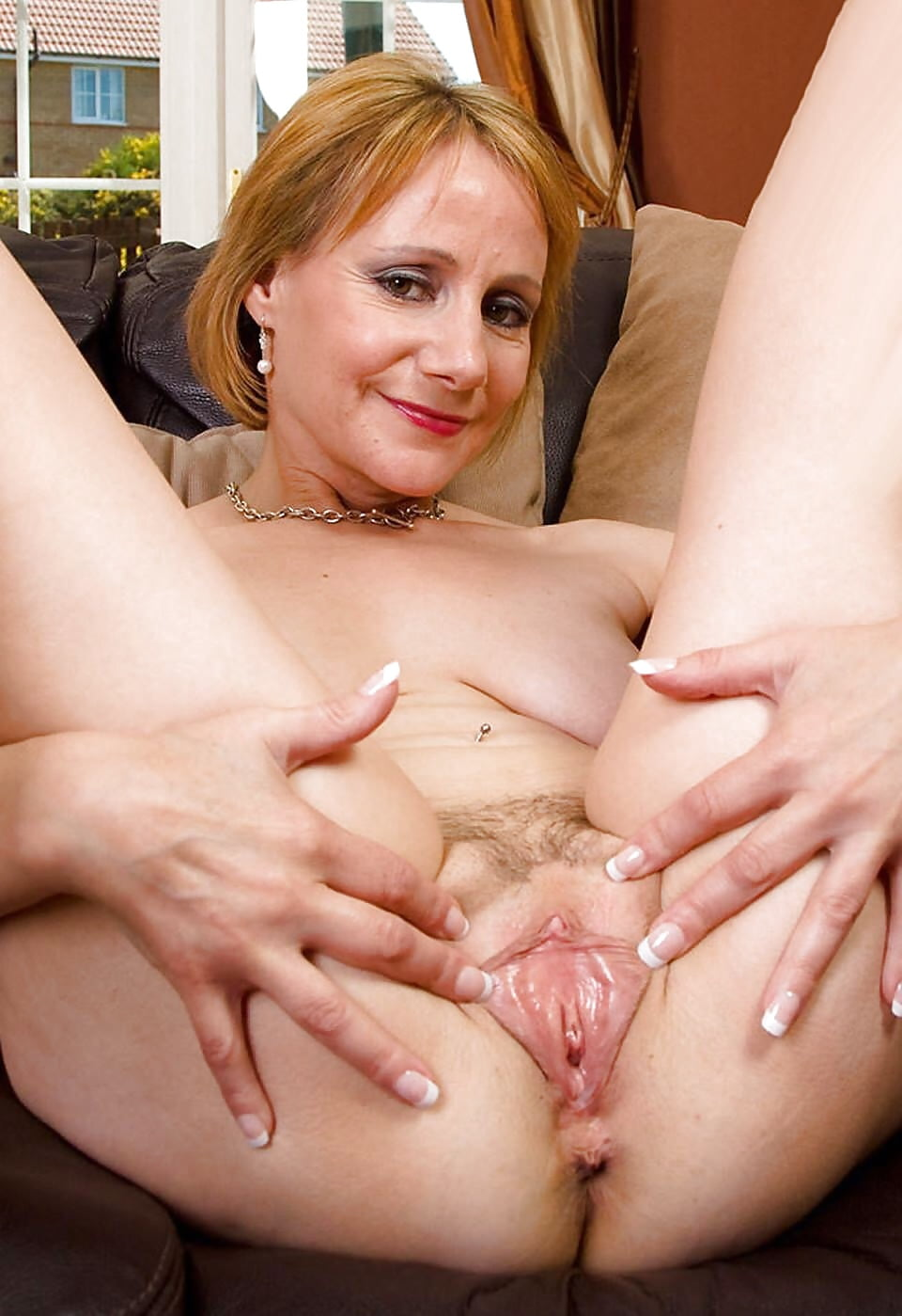 Mature with shaved vagina videos — pic 15