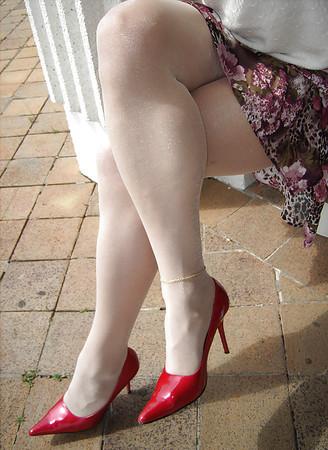 White stockings & pantyhose