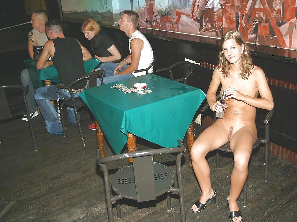 Девушки раздеваются на дискотеку фильм индии другое