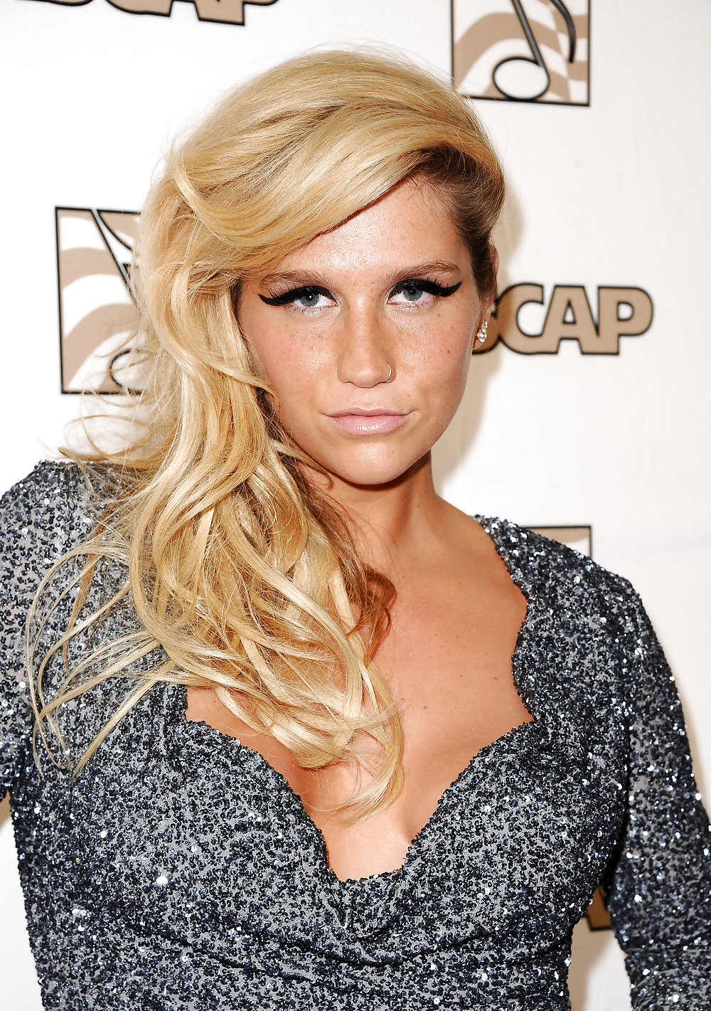 pictures-of-kesha-having-sex-young-naked-russian-boy