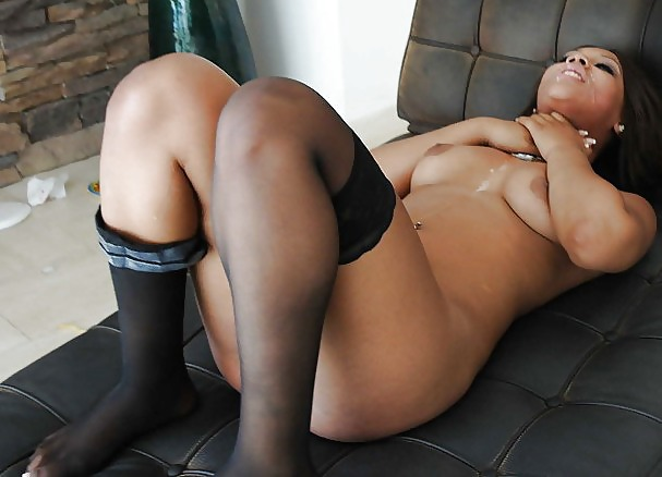 Ebony mature anal sex