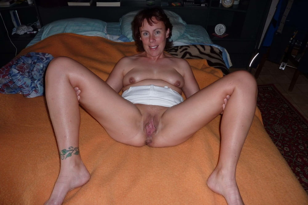 Naked Women, Hot Nude Women, Sexy Young Women Erotic Photo Galleries