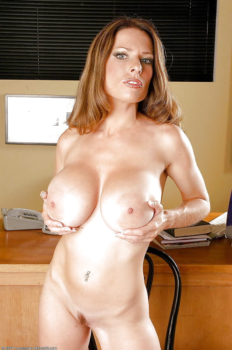 doll-pussy-naked-cougar-big-tits-nude-gym-bodies