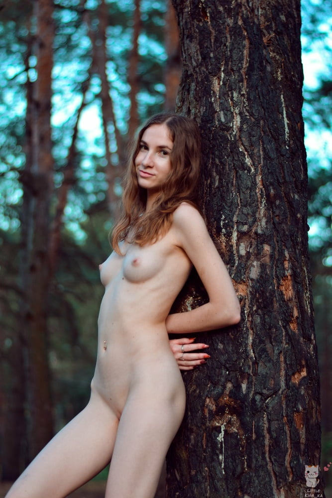 Naked girl - 6 Pics