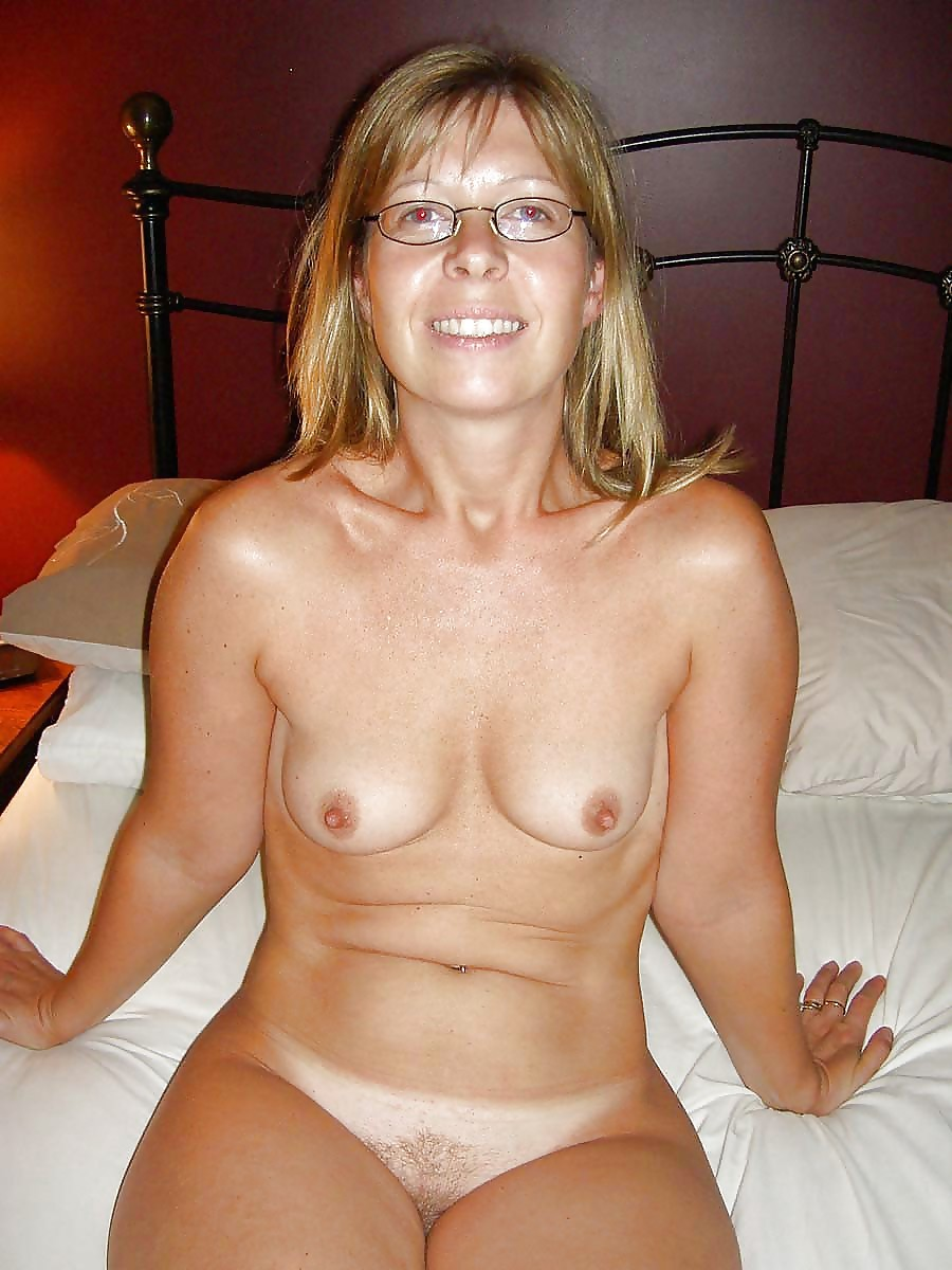beautiful-nude-middle-aged-women-photos