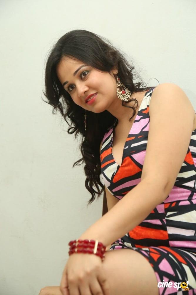 Nisha kothari nude photos-9288