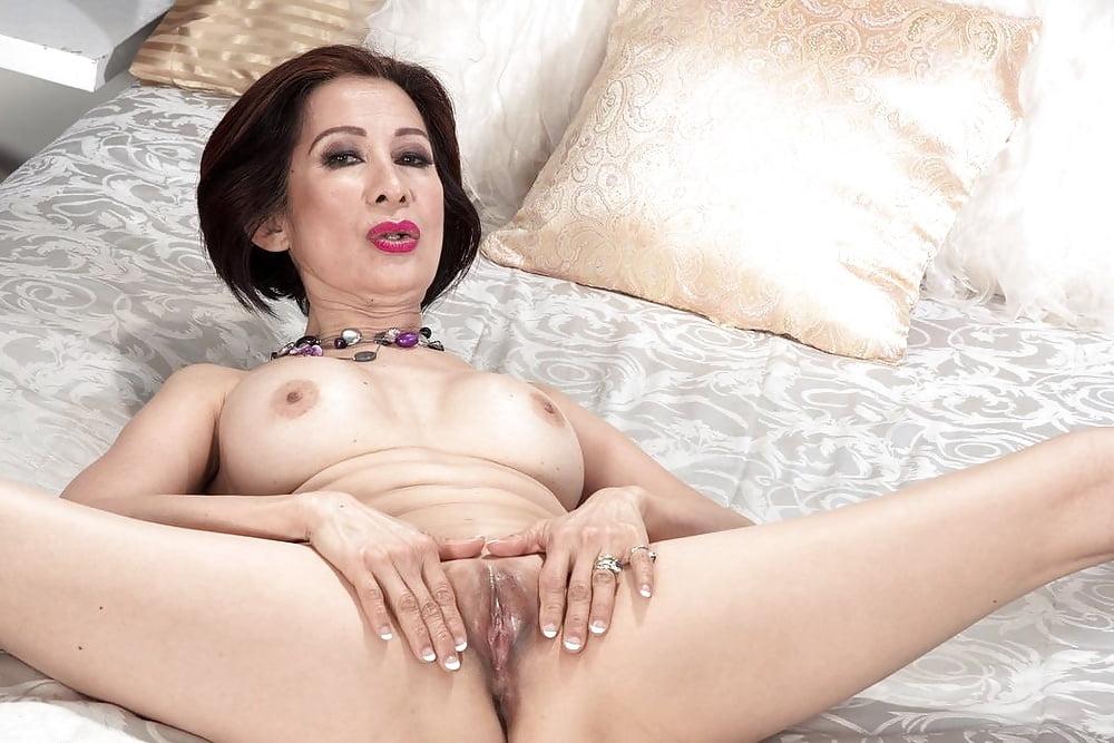 Sexy mature home alone, rape real grandma nude