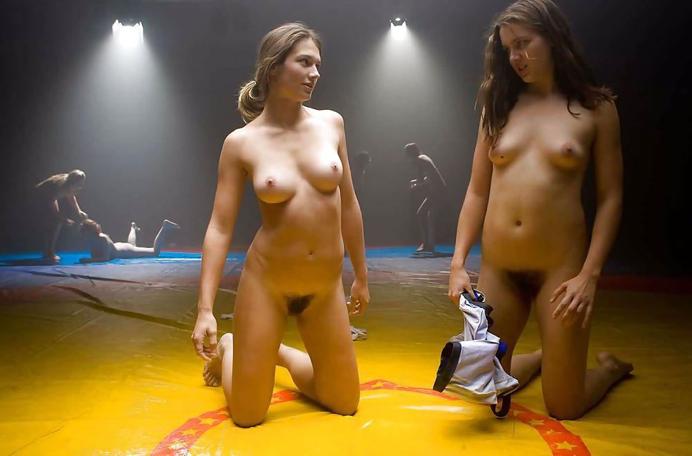Раздевают девушек в бою — photo 9