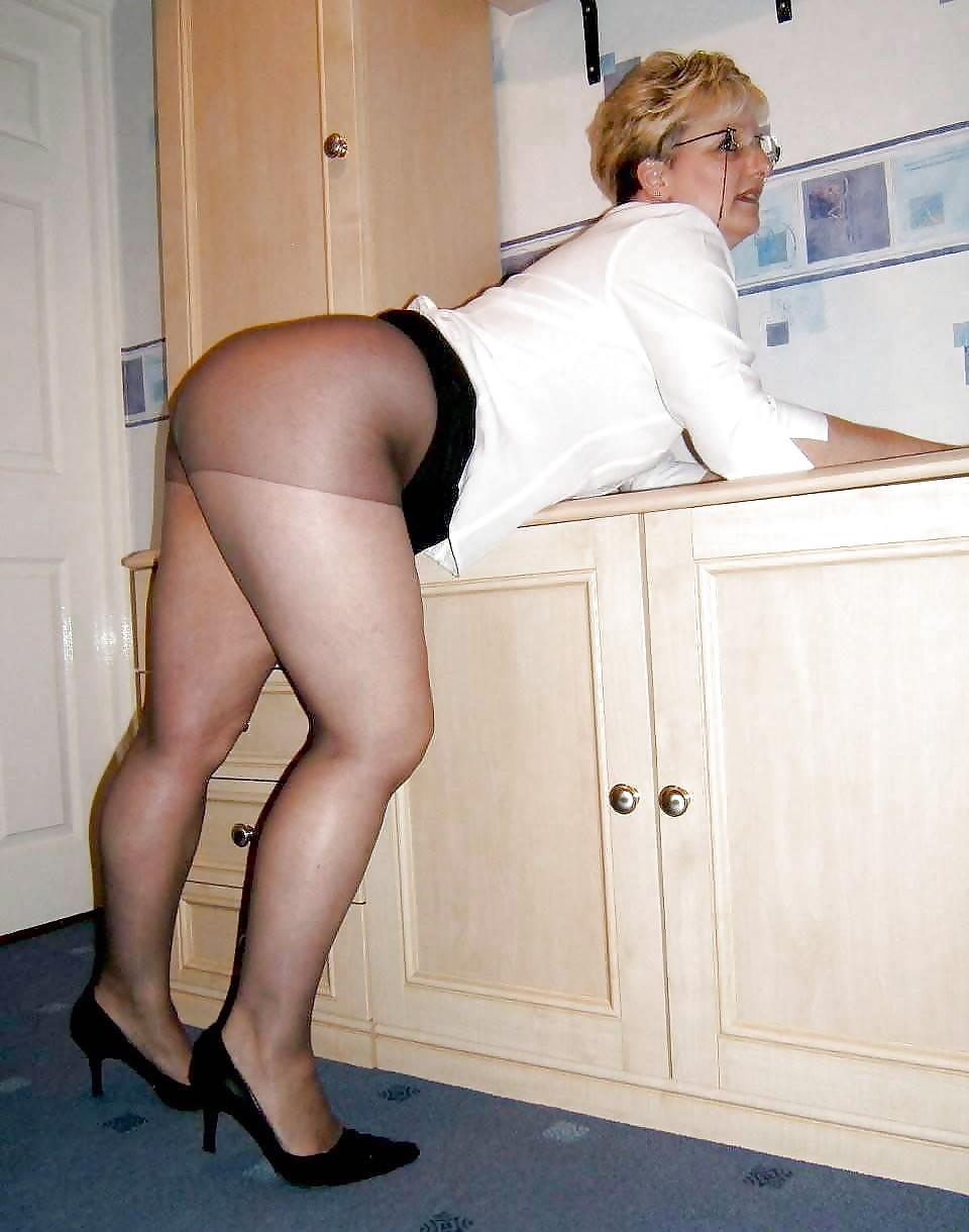 Bbw Mature In Pantyhose Porn