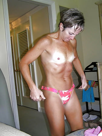 Naked flat chested milf porn pictures