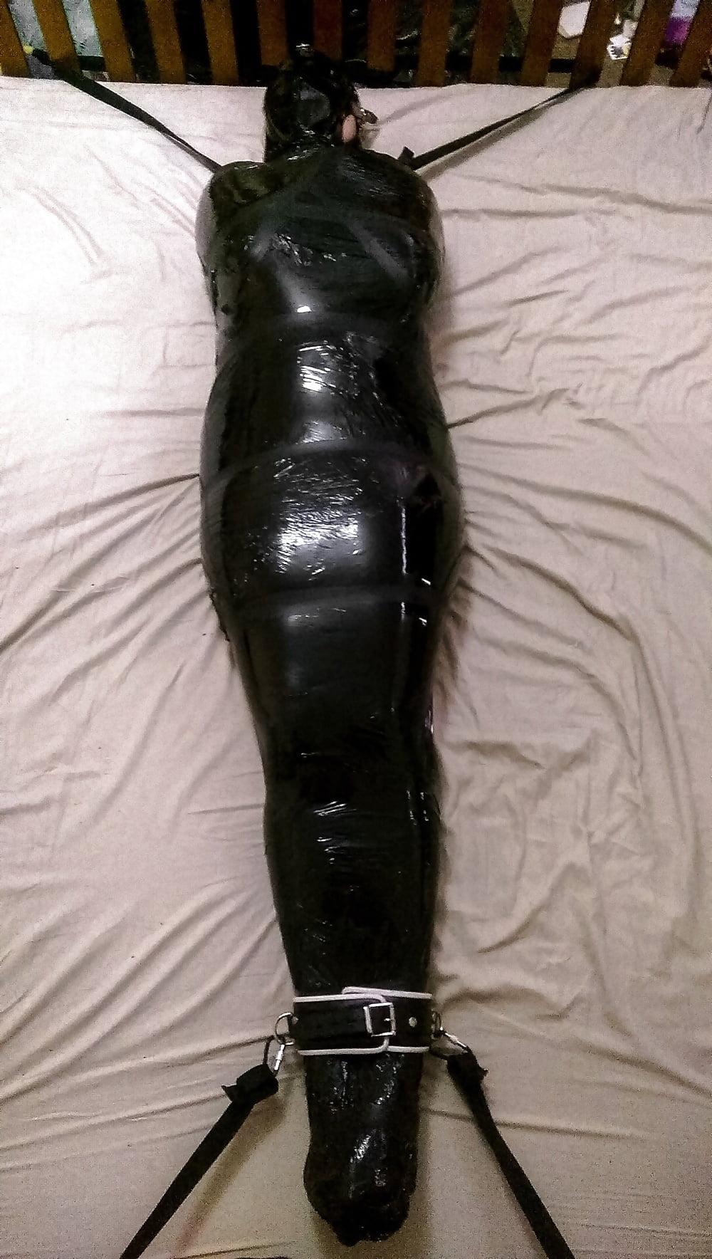 Porno mummified, mature nude men and women