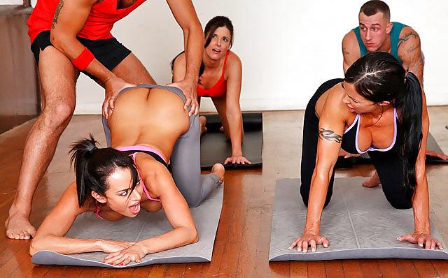 порно на тренировке по танцам