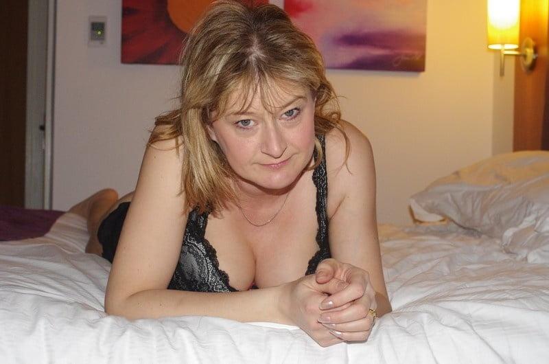 Naked amateur british wife pics