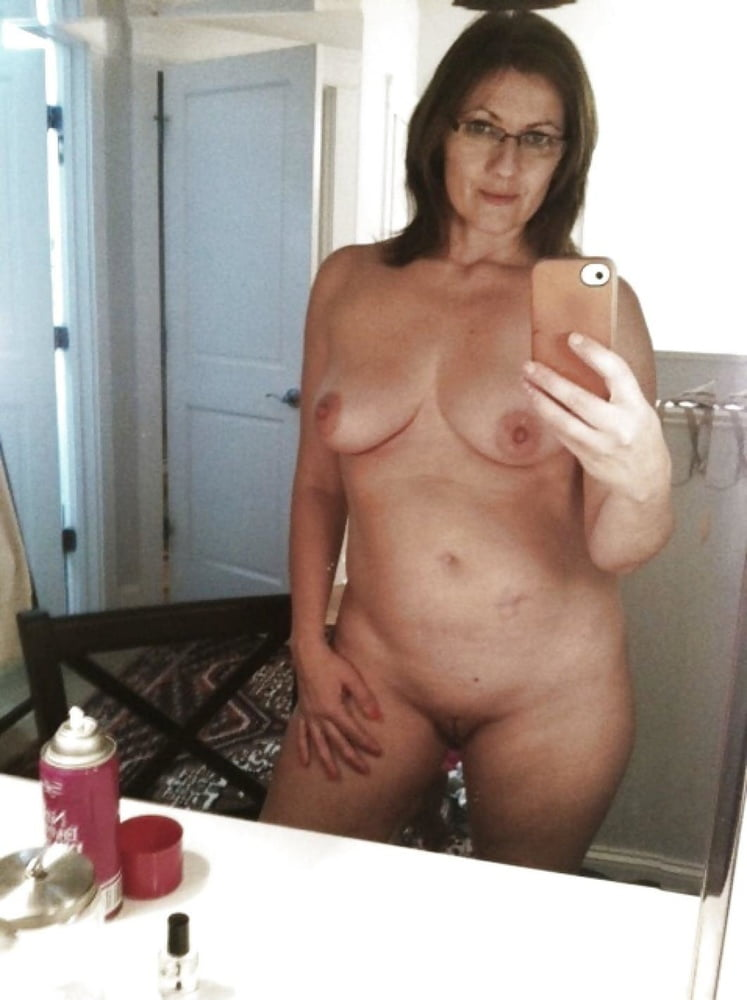 Amateur Mom Selfie Pics