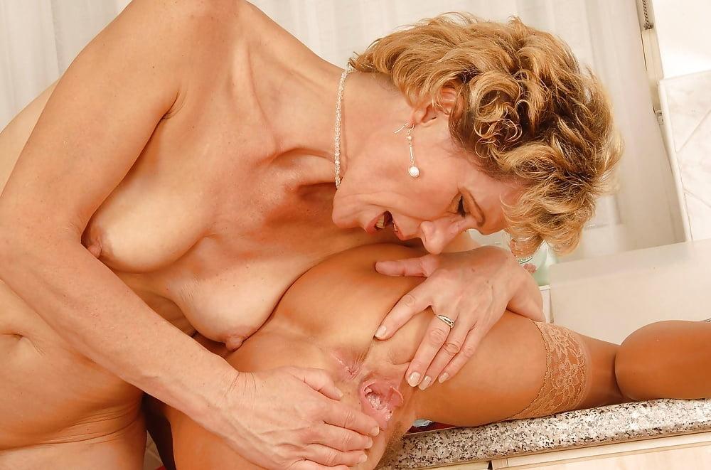 Mature moms lesbians, natasha yi sex pictures