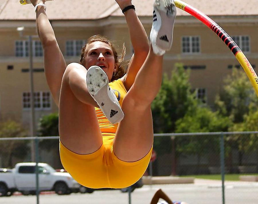 nude-sports-women-diaz-cumshot