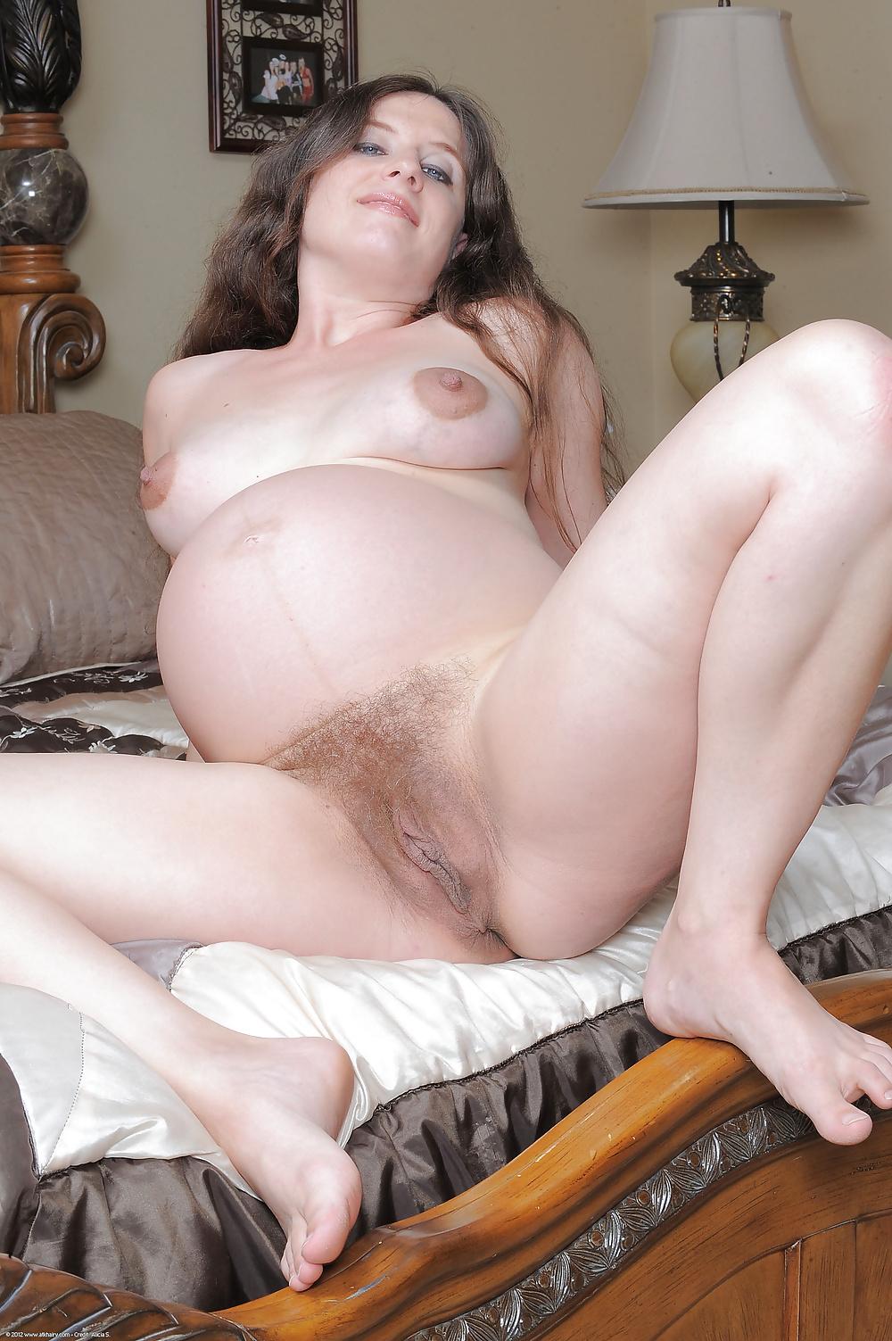 Pregnant horny pussy