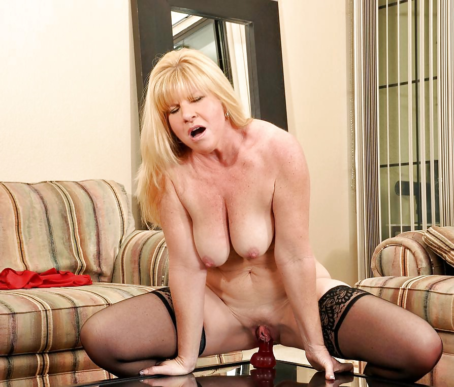 stripping-tube-porn-courtney-thorne-smith-sex-nude