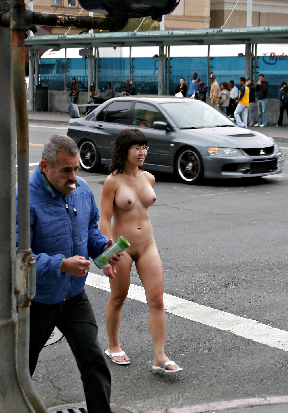 japan-nude-in-public-girls