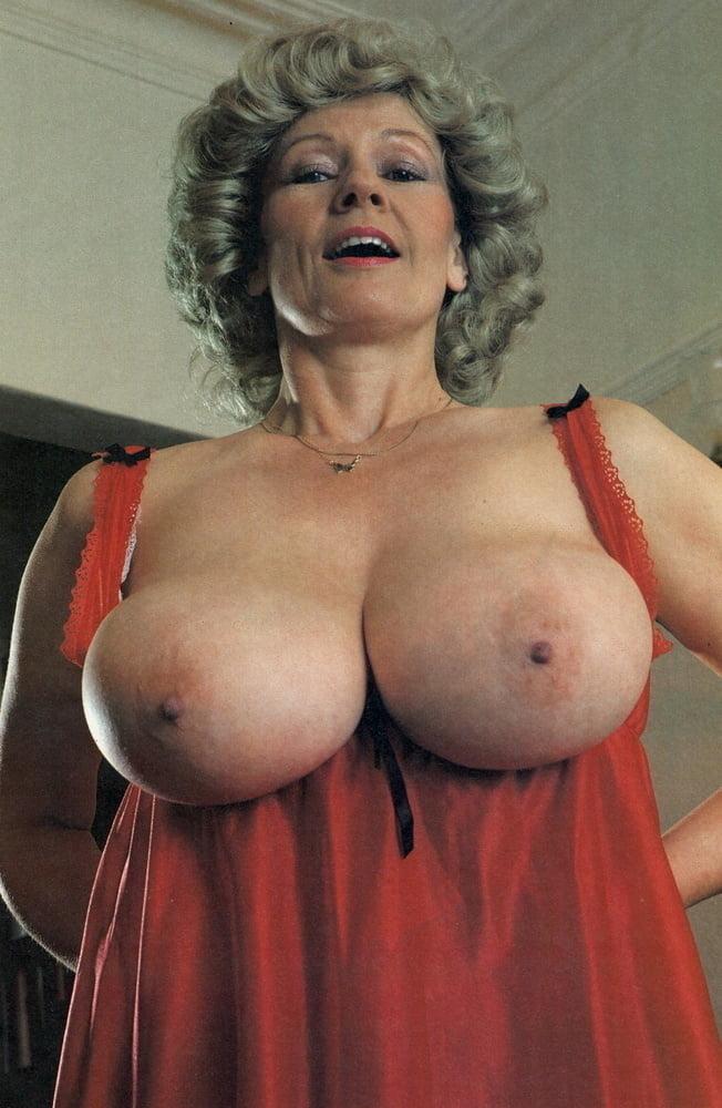 Mature solo big tits mature big boobs hirsute porn pictures