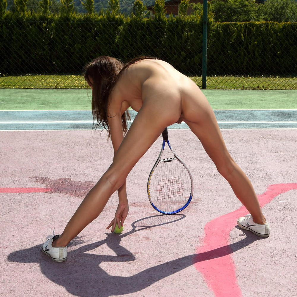 The Naked Girl Demonstrates Olympic Games
