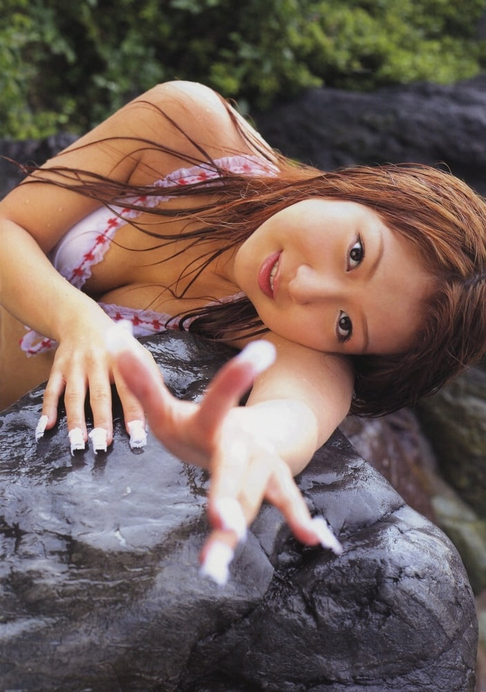 Nozomi Tsuji- 42 Pics